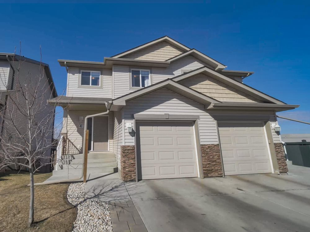 Main Photo: 40 85 SPRUCE VILLAGE Drive: Spruce Grove House Half Duplex for sale : MLS®# E4177969