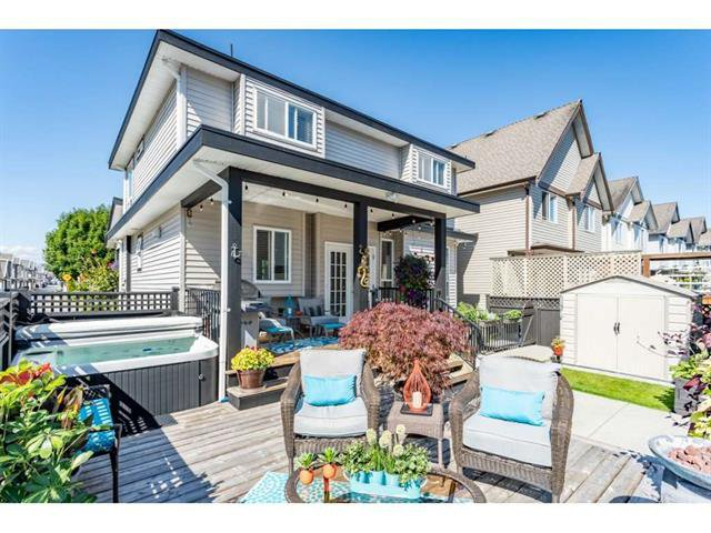 Main Photo: 19220 68A Avenue in Surrey: Clayton House for sale (Cloverdale)  : MLS®# R2392302