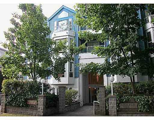 """Main Photo: 302 3720 W 8TH AV in Vancouver: Point Grey Condo for sale in """"HIGHBURY PLACE"""" (Vancouver West)  : MLS®# V557902"""
