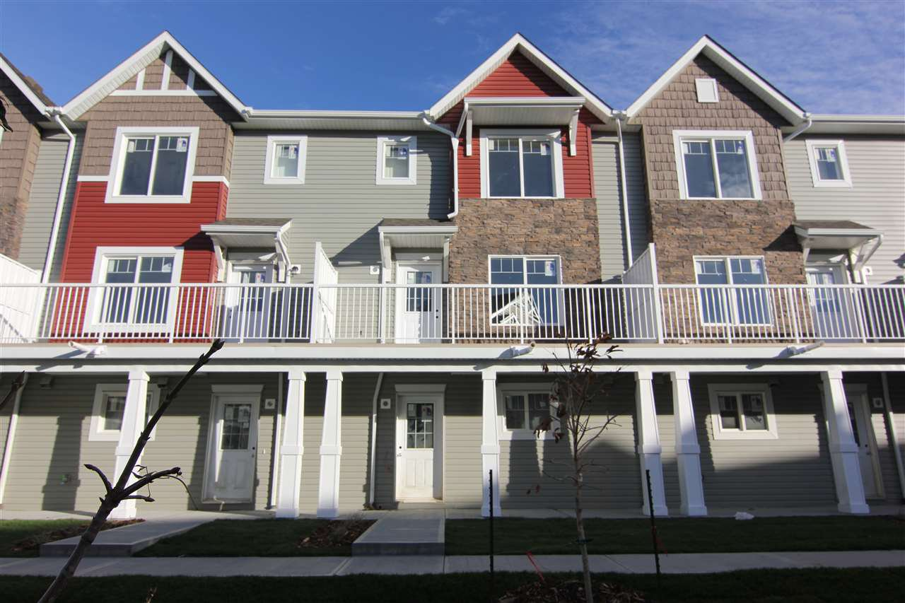 Main Photo: 40 2922 Maple Way in Edmonton: Zone 30 Townhouse for sale : MLS®# E4220861