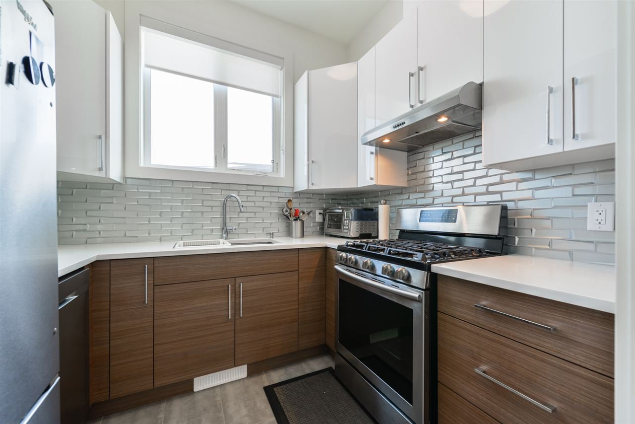Photo 10: Photos: 945 WOOD Place in Edmonton: Zone 56 House for sale : MLS®# E4189634
