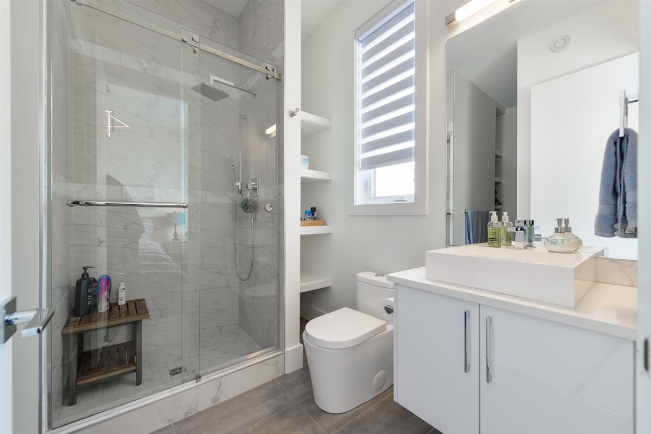 Photo 15: Photos: 945 WOOD Place in Edmonton: Zone 56 House for sale : MLS®# E4189634