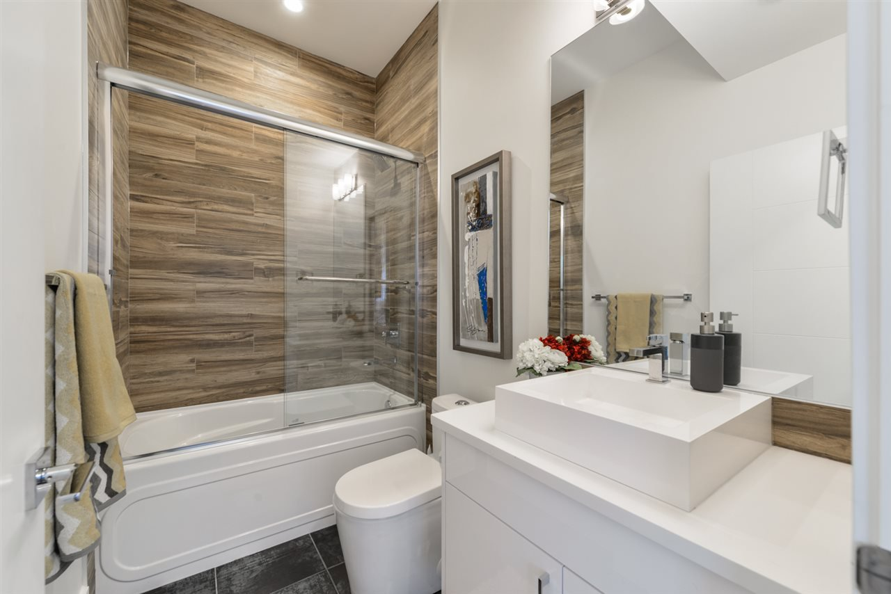 Photo 23: Photos: 945 WOOD Place in Edmonton: Zone 56 House for sale : MLS®# E4189634