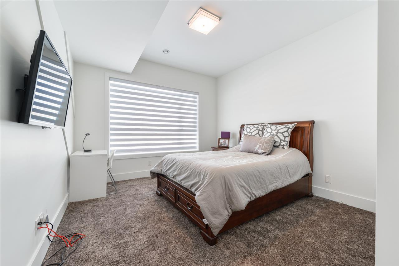 Photo 25: Photos: 945 WOOD Place in Edmonton: Zone 56 House for sale : MLS®# E4189634