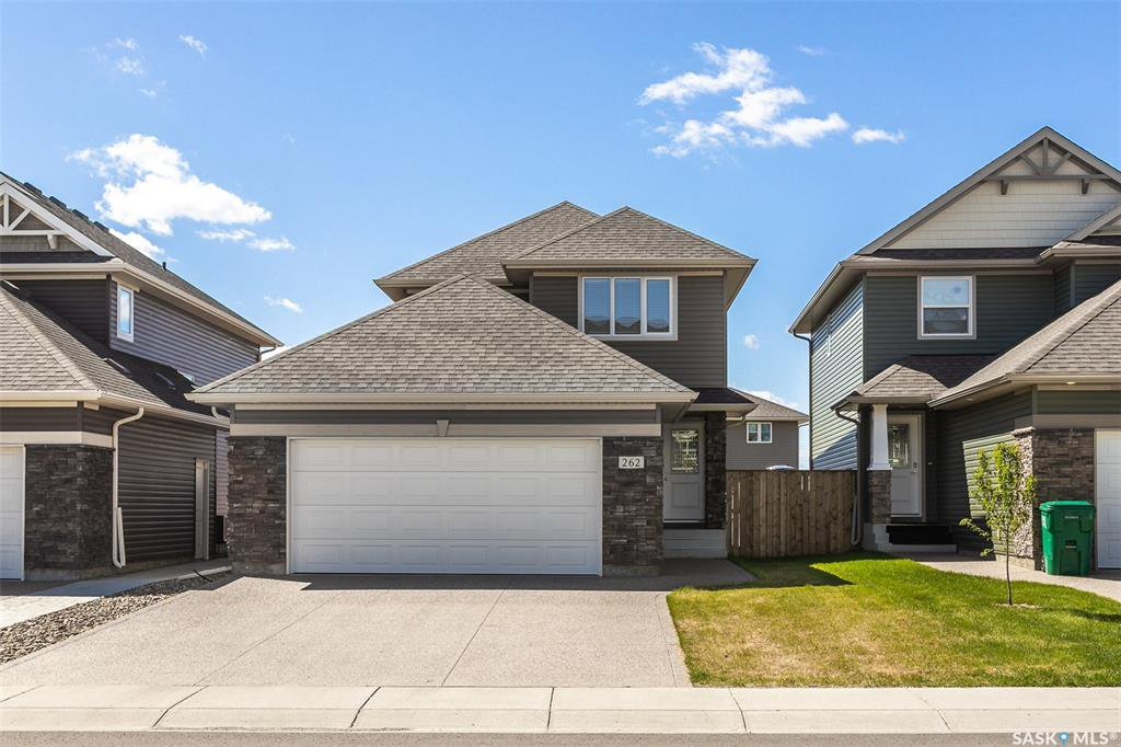 Main Photo: 262 LEWIN Crescent in Saskatoon: Stonebridge Residential for sale : MLS®# SK809797