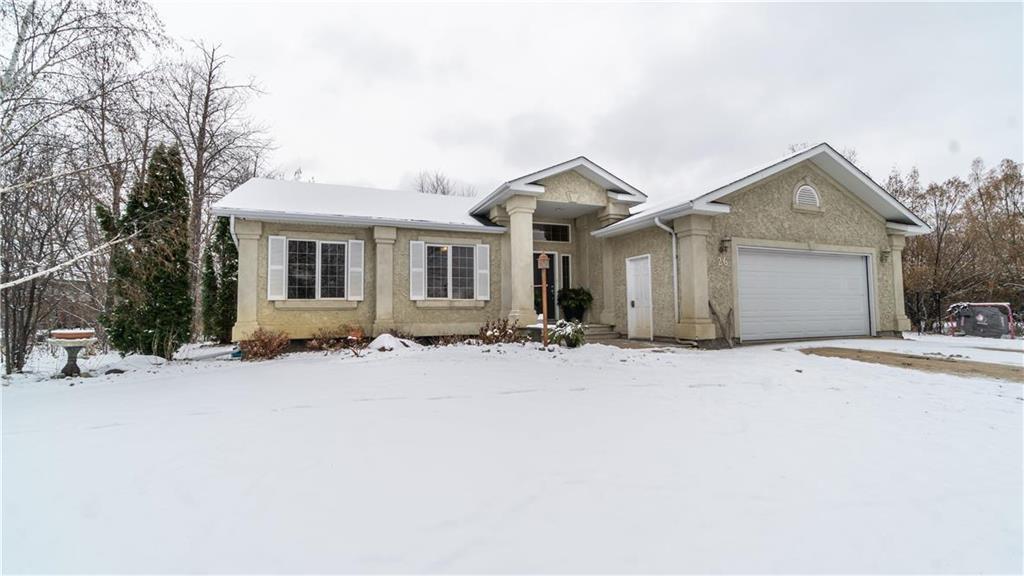 Main Photo: 26 EASTWOOD Drive in Steinbach: Deerfield Residential for sale (R16)  : MLS®# 1930656