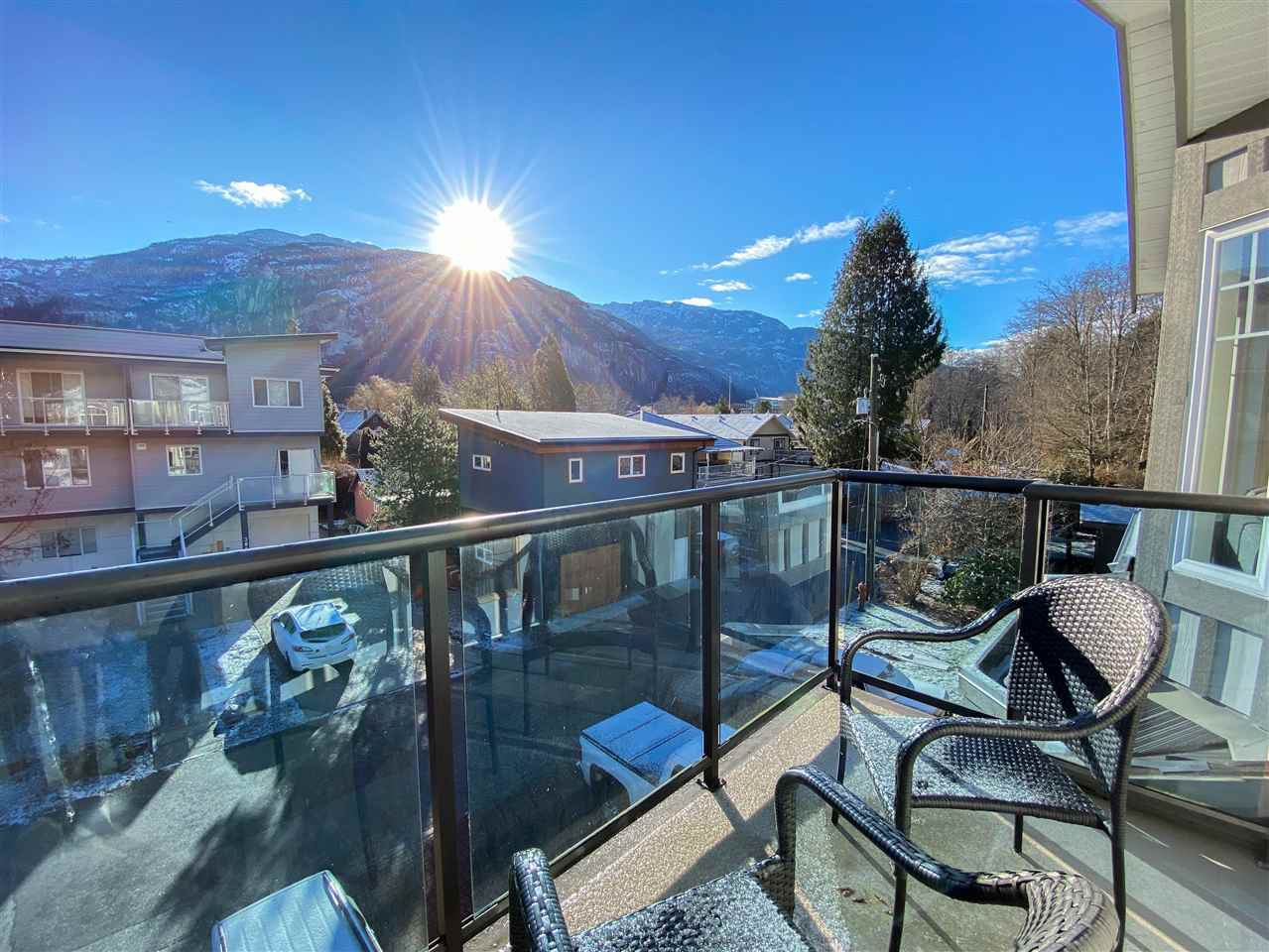 Main Photo: 38030 SEVENTH Avenue in Squamish: Downtown SQ Multifamily for sale : MLS®# R2512550