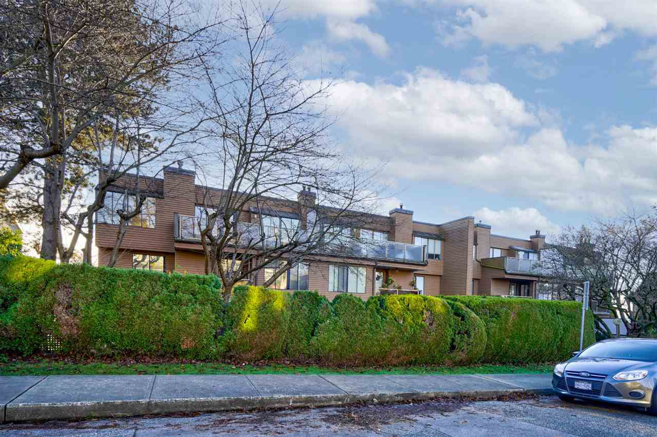 """Main Photo: 207 812 MILTON Street in New Westminster: Uptown NW Condo for sale in """"Hawthorn Place"""" : MLS®# R2521577"""