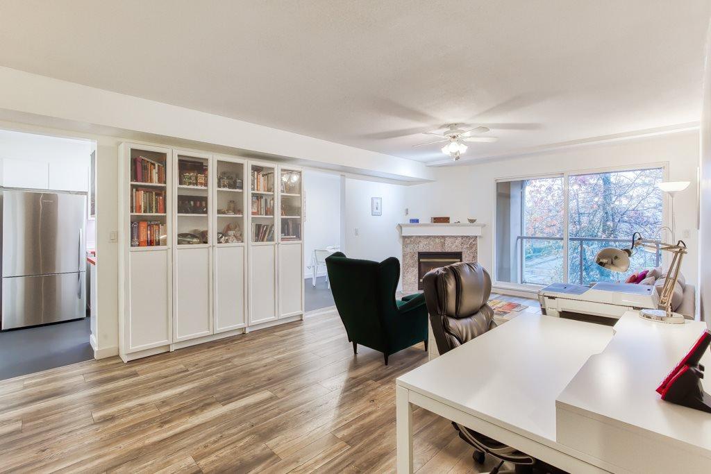 "Main Photo: 212 14998 101A Avenue in Surrey: Guildford Condo for sale in ""CARTIER PLACE"" (North Surrey)  : MLS®# R2427256"