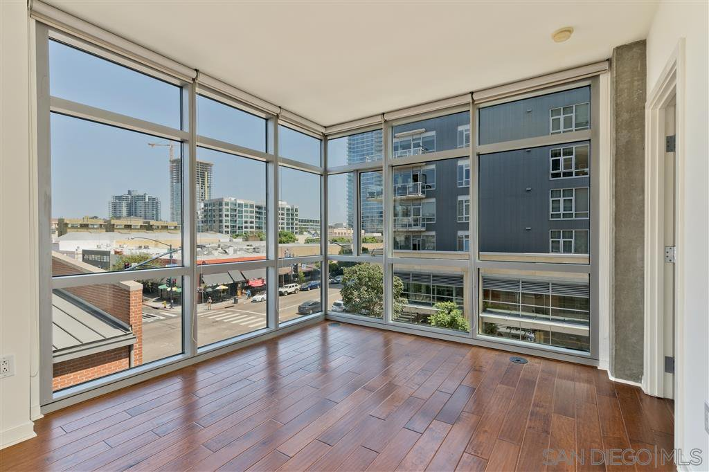 Main Photo: DOWNTOWN Condo for sale : 1 bedrooms : 800 The Mark Ln #405 in San Diego