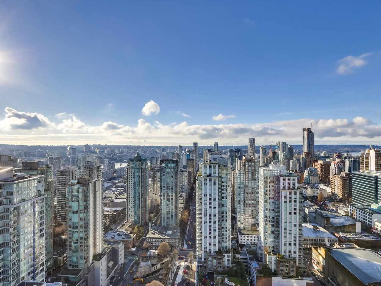Main Photo: 4009 777 RICHARDS Street in Vancouver: Downtown VW Condo for sale (Vancouver West)  : MLS®# R2524864