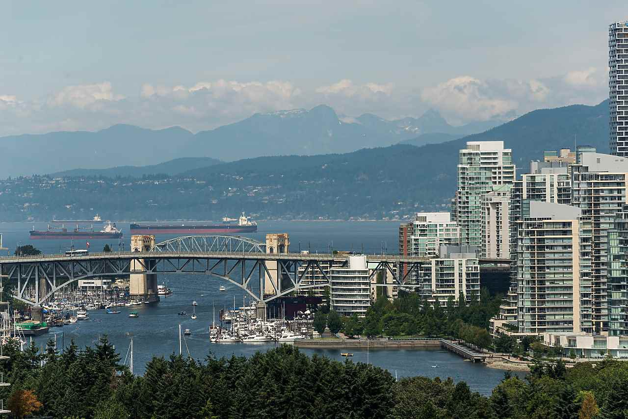 """Main Photo: 1203 2628 ASH Street in Vancouver: Fairview VW Condo for sale in """"CAMBRIDGE GARDENS"""" (Vancouver West)  : MLS®# R2388198"""
