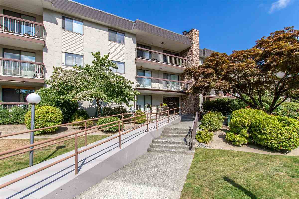 "Main Photo: 301 2381 BURY Avenue in Port Coquitlam: Central Pt Coquitlam Condo for sale in ""Riverside Manor"" : MLS®# R2397486"