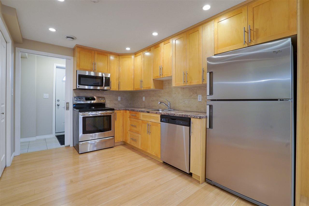 Main Photo: 4804 164 Avenue in Edmonton: Zone 03 House for sale : MLS®# E4171571