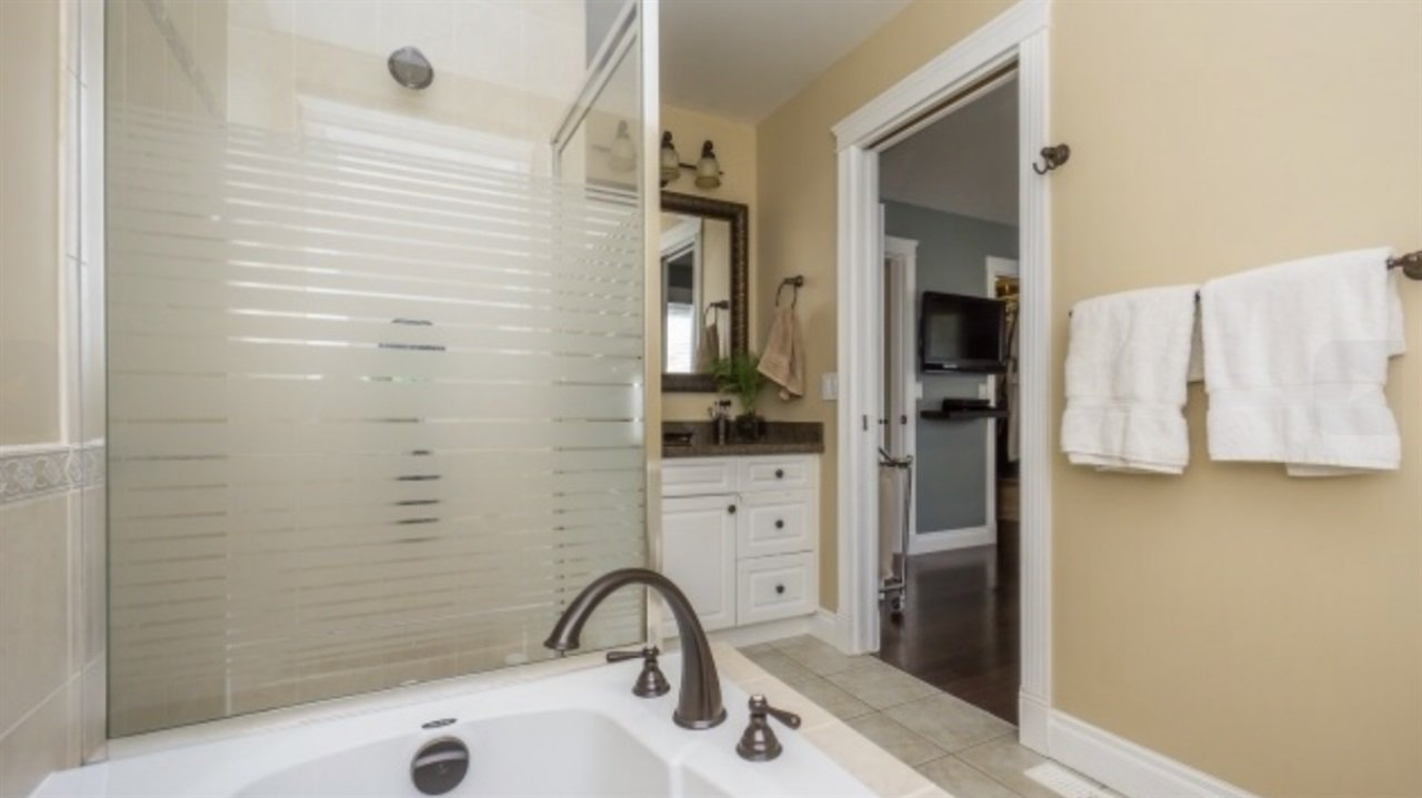 Photo 15: Photos: 2885 WHISTLE Drive in Abbotsford: Aberdeen House for sale : MLS®# R2408228
