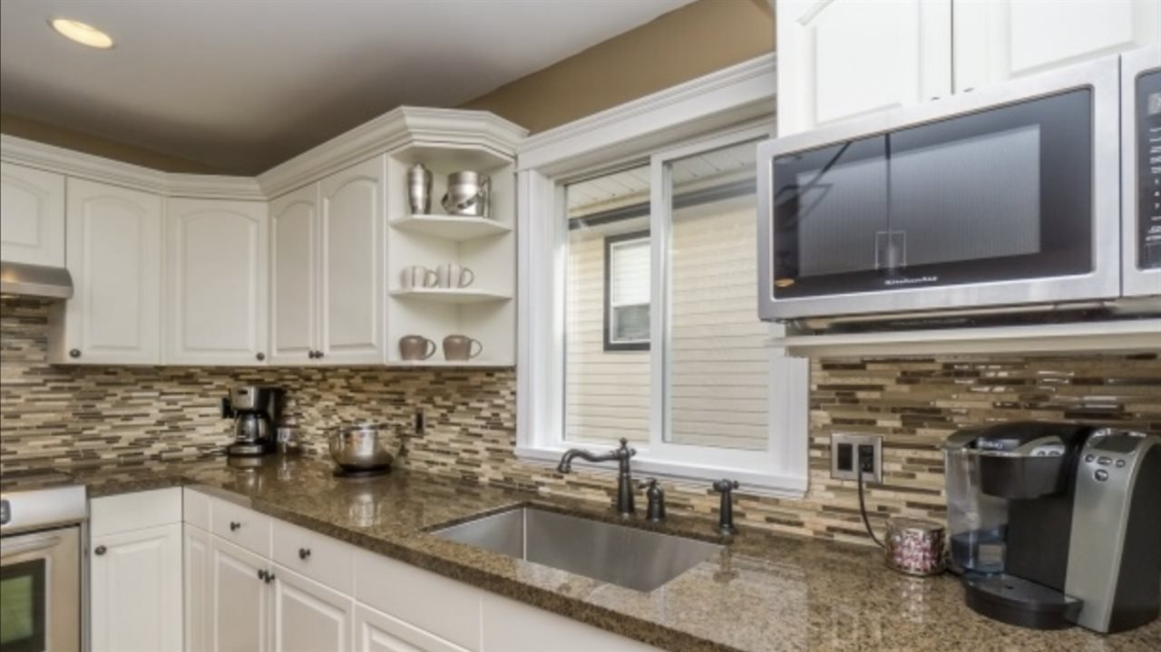 Photo 9: Photos: 2885 WHISTLE Drive in Abbotsford: Aberdeen House for sale : MLS®# R2408228