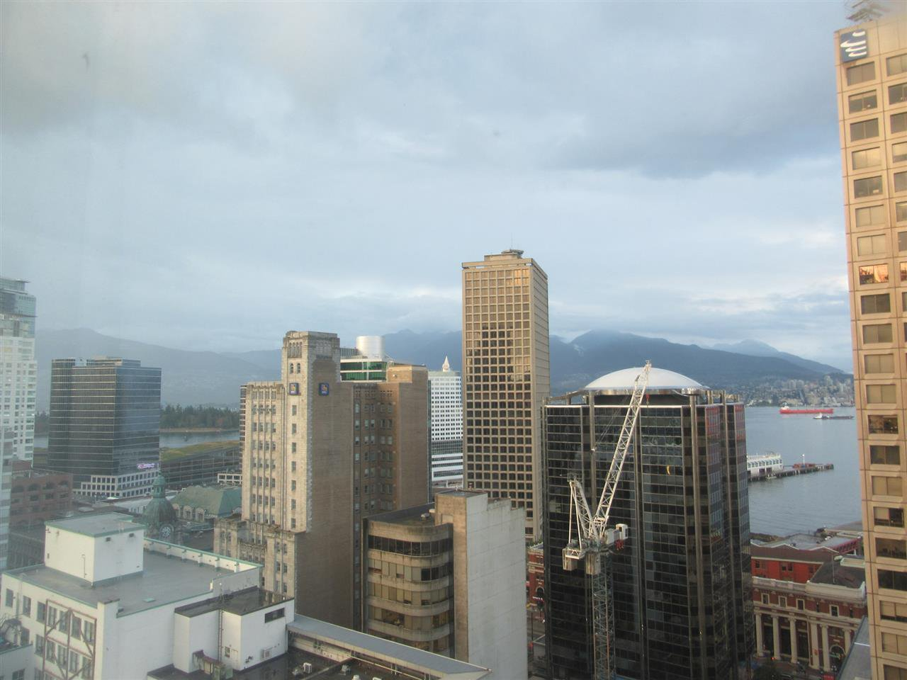Main Photo: 2206 438 SEYMOUR Street in Vancouver: Downtown VW Condo for sale (Vancouver West)  : MLS®# R2404442
