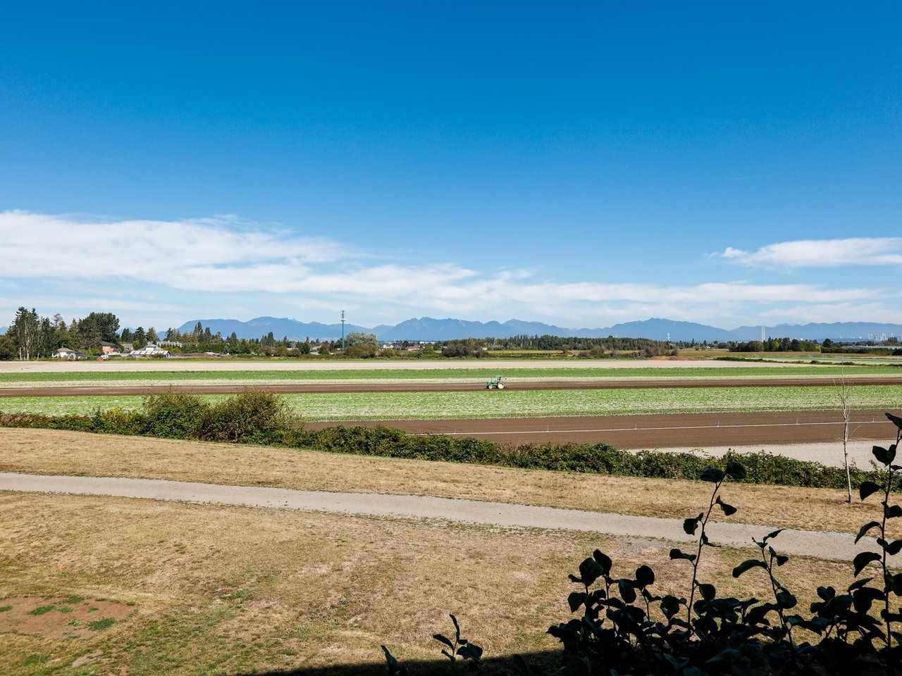 "Main Photo: 204 6233 LONDON Road in Richmond: Steveston South Condo for sale in ""LONDON STATION 1"" : MLS®# R2404528"