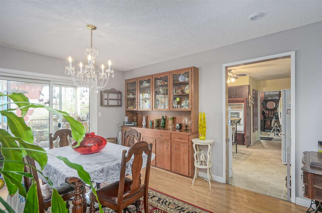Photo 10: Photos: 31847 COUNTESS Crescent in Abbotsford: Abbotsford West House for sale : MLS®# R2408038