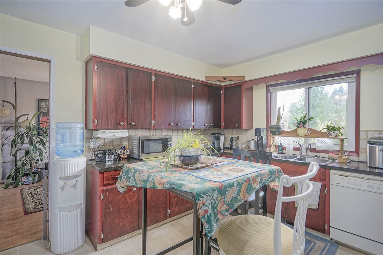 Photo 9: Photos: 31847 COUNTESS Crescent in Abbotsford: Abbotsford West House for sale : MLS®# R2408038