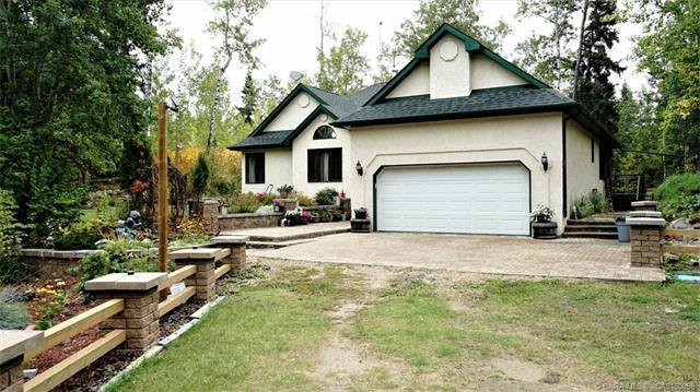 Photo 4: Photos: 24 260036 Township Road 420 in Rural Ponoka County: Spruce Ridge Estates Residential for sale : MLS®# CA0180098