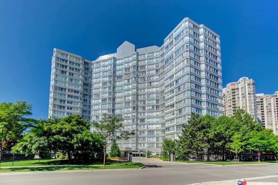 Photo 1: Photos: 1805 50 Kingsbridge Garden Circle in Mississauga: Hurontario Condo for sale : MLS®# W4642207