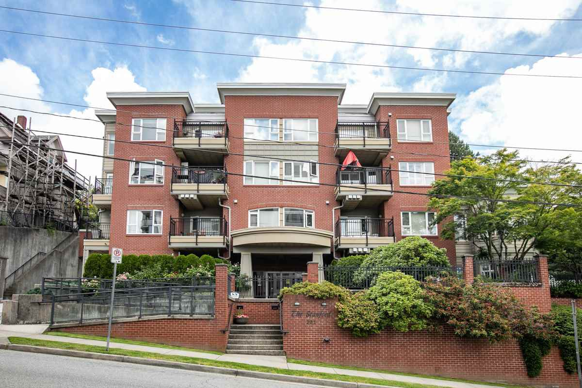 """Main Photo: 203 221 ELEVENTH Street in New Westminster: Uptown NW Condo for sale in """"THE STANDFORD"""" : MLS®# R2464759"""