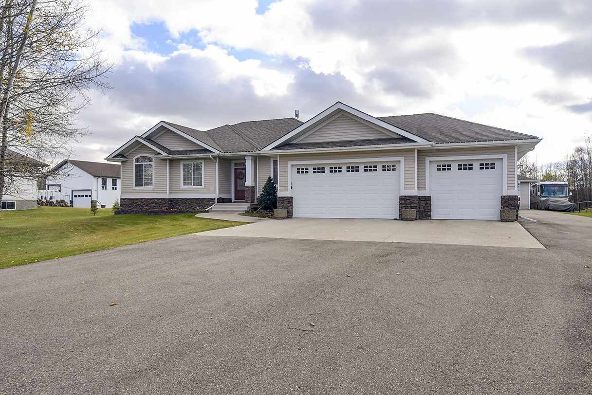 Main Photo: 12 51530 RGE RD 264: Rural Parkland County House for sale : MLS®# E4217990