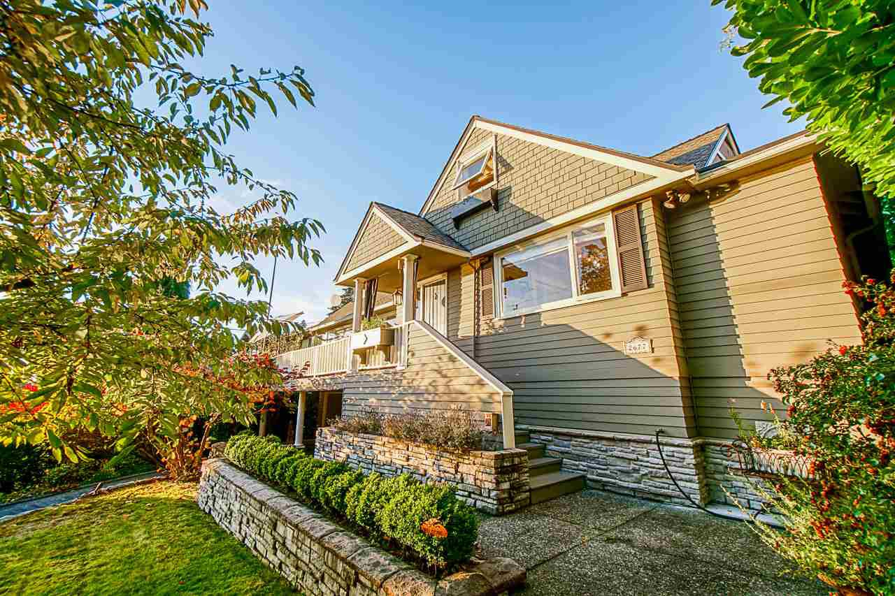 Main Photo: 2677 LAWSON AVENUE in West Vancouver: Dundarave House for sale : MLS®# R2514379