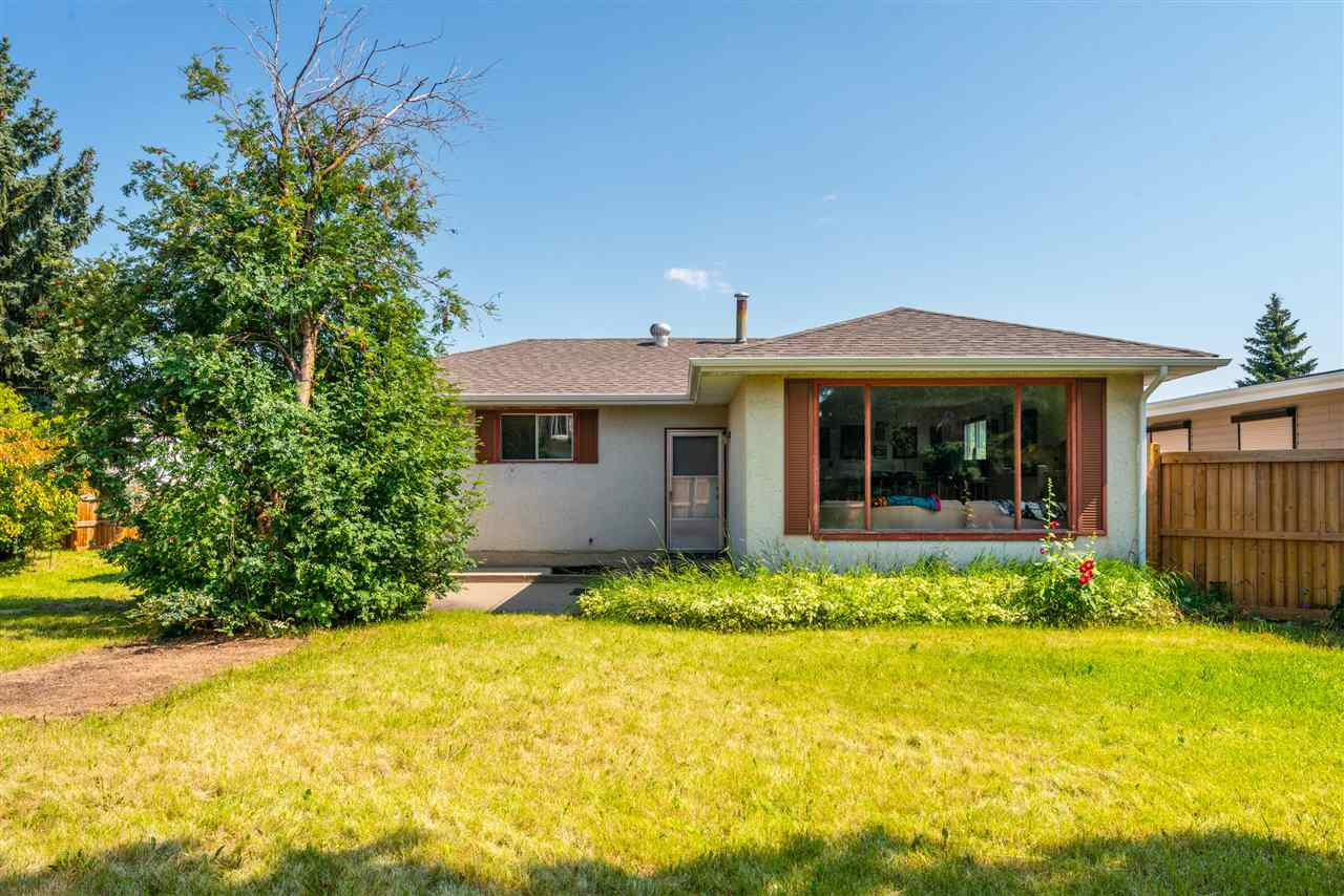 Main Photo: 8004 174 Street in Edmonton: Zone 20 House for sale : MLS®# E4170170