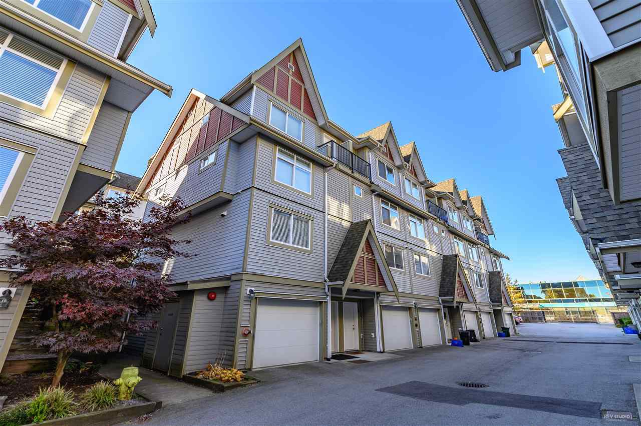 """Main Photo: 19 9277 121 Street in Surrey: Queen Mary Park Surrey Townhouse for sale in """"MAPLE MEADOWS"""" : MLS®# R2416035"""