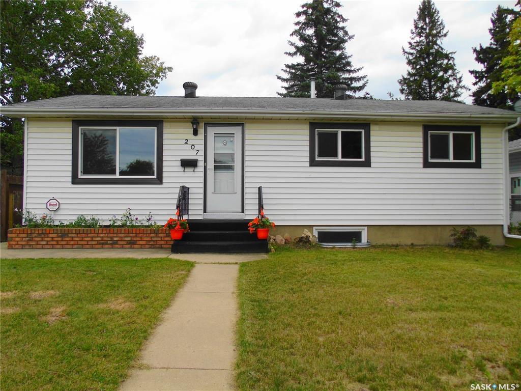 Main Photo: 207 Evans Street in Saskatoon: Sutherland Residential for sale : MLS®# SK796150