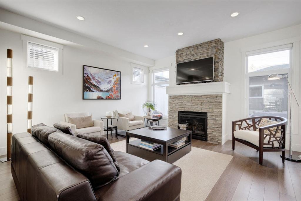 Main Photo: 4927 20 Street SW in Calgary: Altadore Semi Detached for sale : MLS®# A1028904