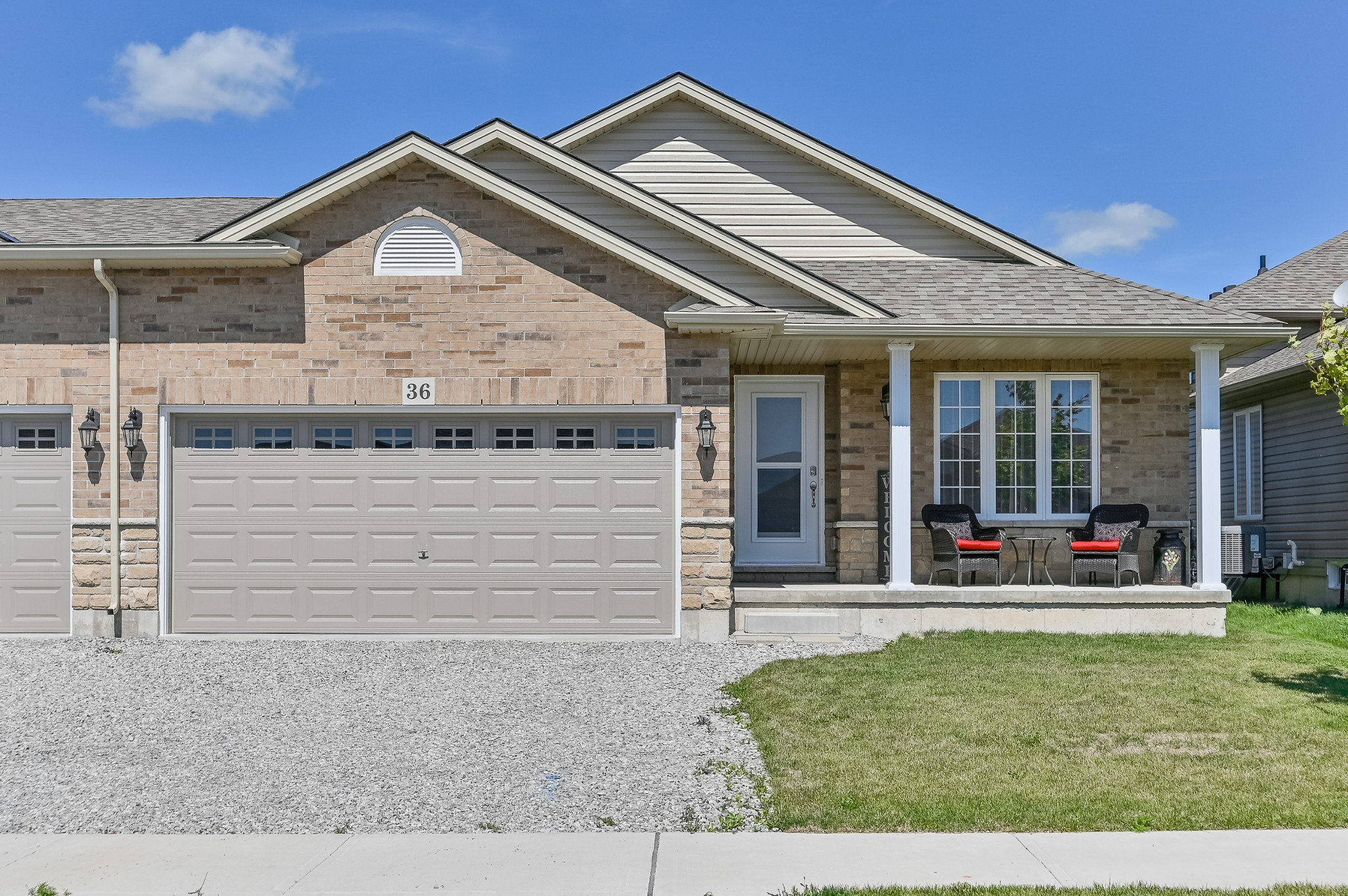 Main Photo: 36 East Helen Drive in Hagersville: House for sale : MLS®# H4062188