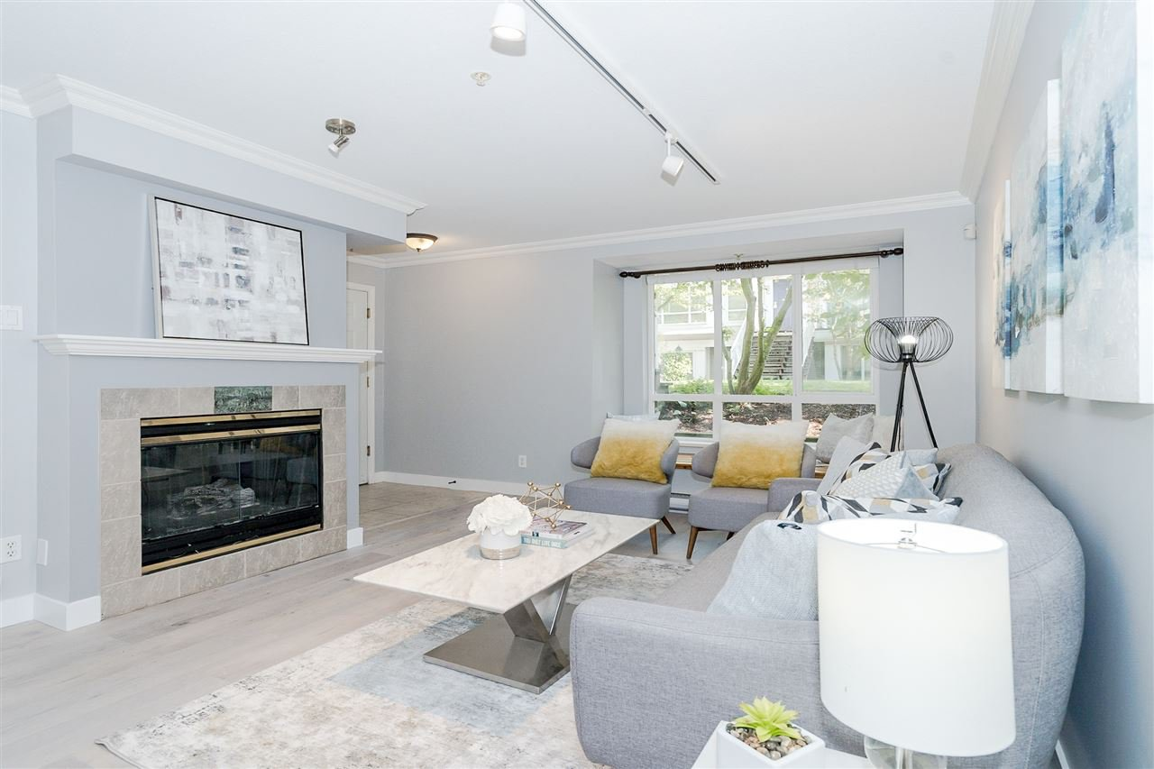 """Main Photo: 95 6588 SOUTHOAKS Crescent in Burnaby: Highgate Townhouse for sale in """"TUDOR GROVE"""" (Burnaby South)  : MLS®# R2502627"""