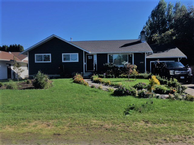 "Main Photo: 6992 CENTENNIAL Drive in Chilliwack: Sardis East Vedder Rd House for sale in ""Sardis Park"" (Sardis)  : MLS®# R2502845"