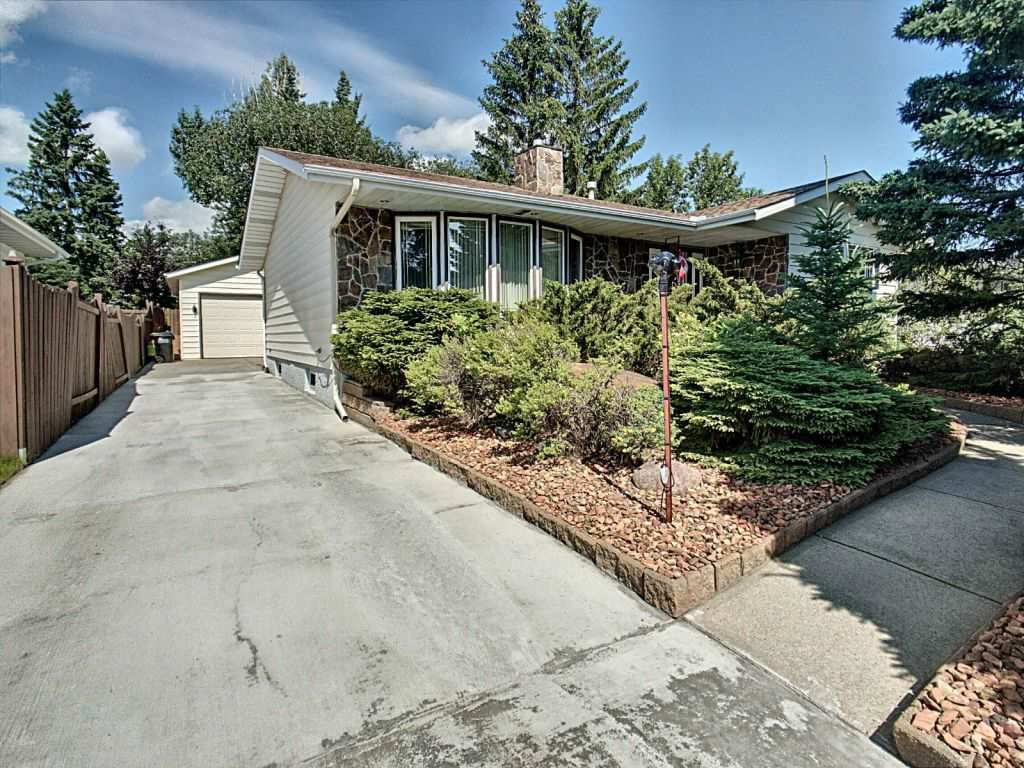 Main Photo: 92 Galloway Drive: Sherwood Park House for sale : MLS®# E4208677