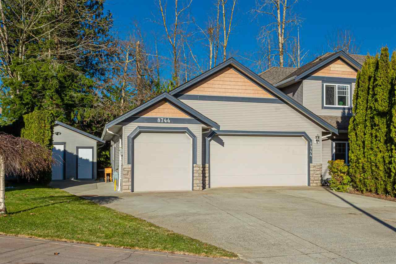 "Main Photo: 8744 HARGITT Place in Mission: Mission BC House for sale in ""Cedar Valley Estates"" : MLS®# R2521034"