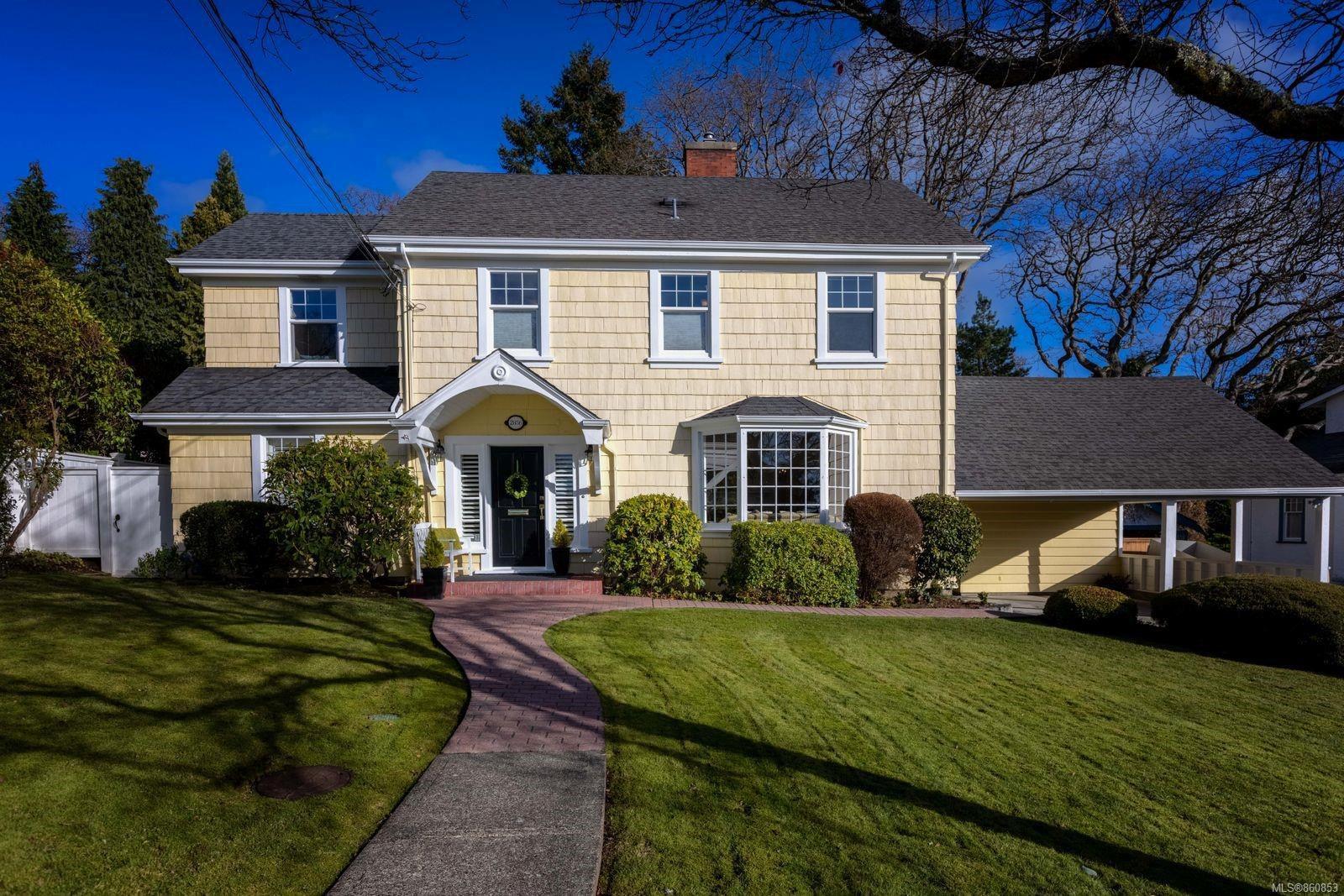 Main Photo: 2856 Dewdney Ave in : OB Estevan House for sale (Oak Bay)  : MLS®# 860853