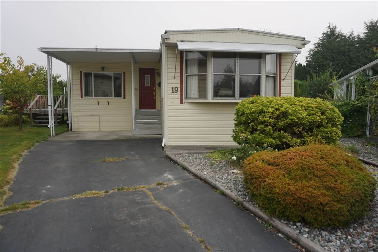 """Main Photo: 19 15875 20 Avenue in Surrey: King George Corridor Manufactured Home for sale in """"Sea Ridge Bays"""" (South Surrey White Rock)  : MLS®# R2526571"""