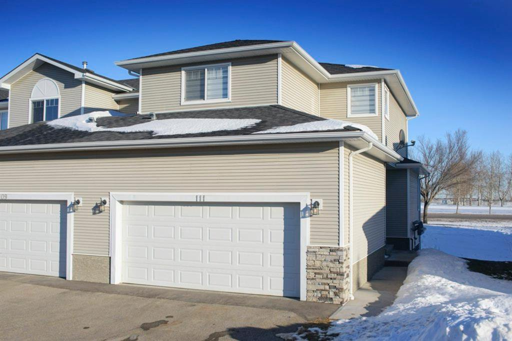 Main Photo: 111 Hillview Terrace: Strathmore Row/Townhouse for sale : MLS®# A1057950