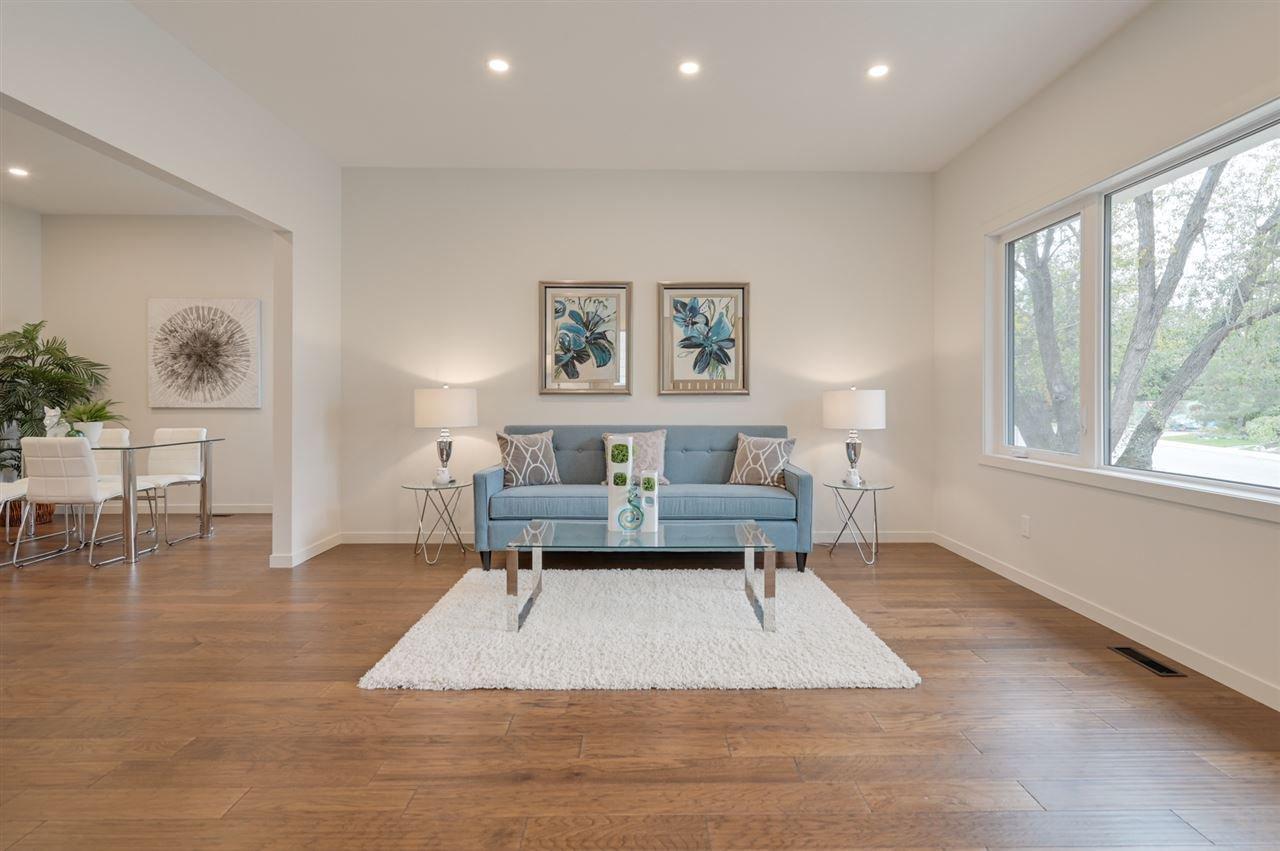 Photo 5: Photos: 14520 84 Avenue in Edmonton: Zone 10 House for sale : MLS®# E4175559