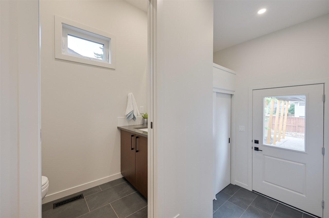 Photo 12: Photos: 14520 84 Avenue in Edmonton: Zone 10 House for sale : MLS®# E4175559