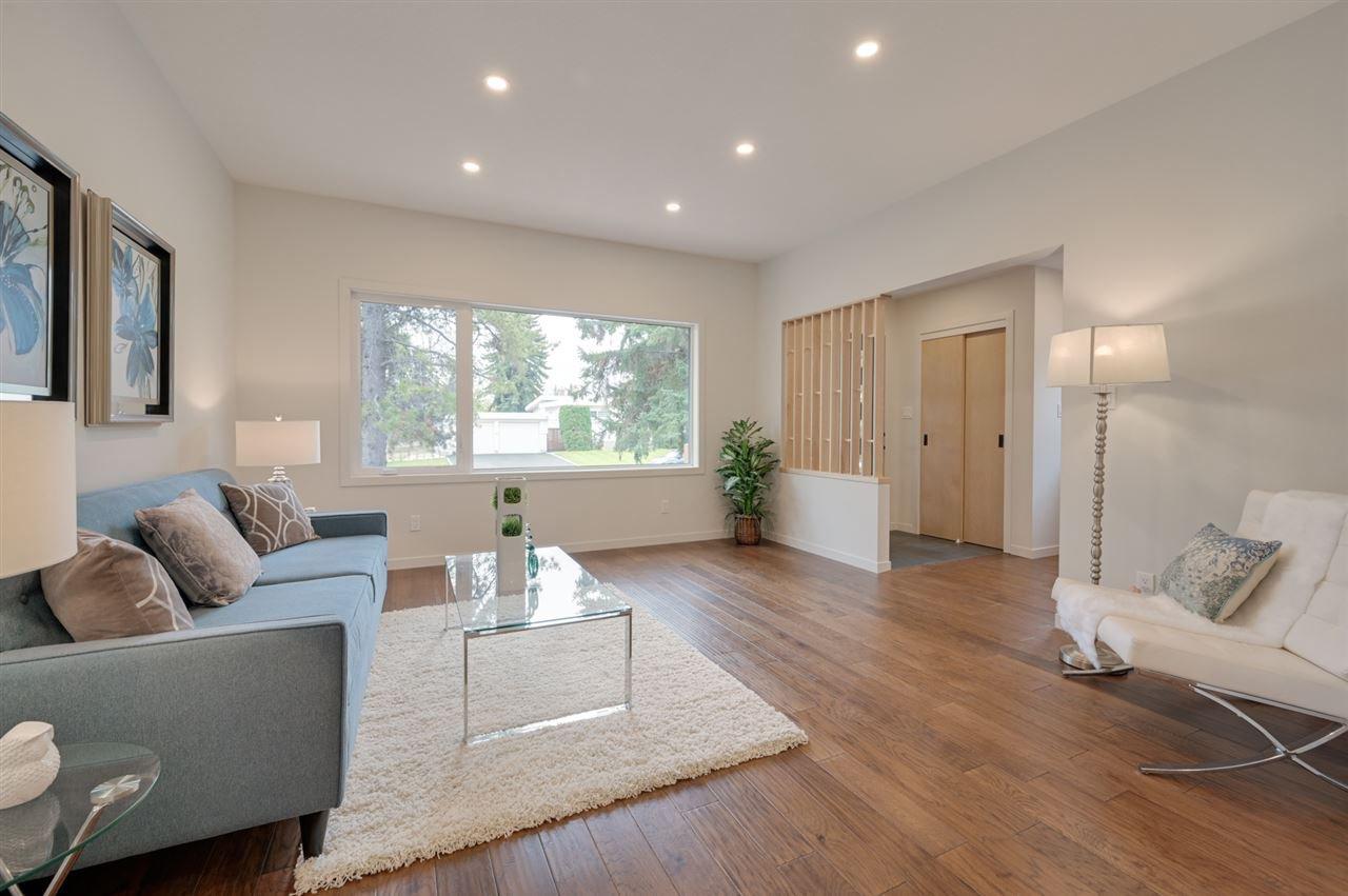 Photo 6: Photos: 14520 84 Avenue in Edmonton: Zone 10 House for sale : MLS®# E4175559