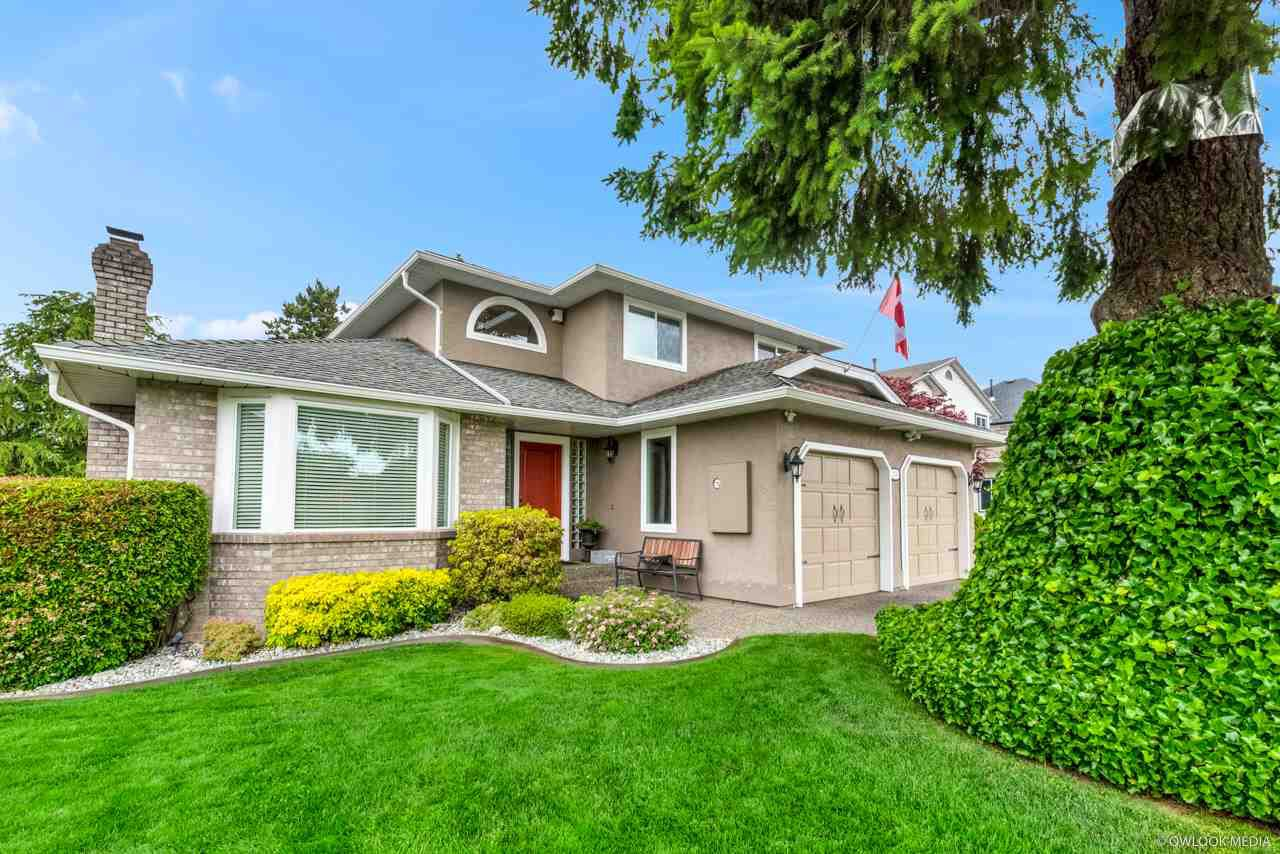 Main Photo: 5745 184A Street in Surrey: Cloverdale BC House for sale (Cloverdale)  : MLS®# R2463961