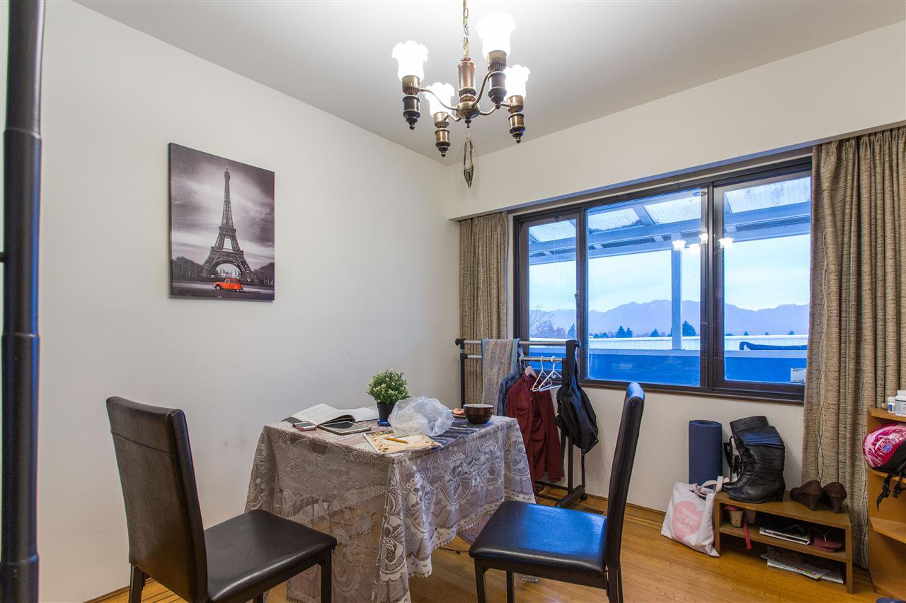 Photo 14: Photos: 3735 CARDIFF Street in Burnaby: Central Park BS House for sale (Burnaby South)  : MLS®# R2417727