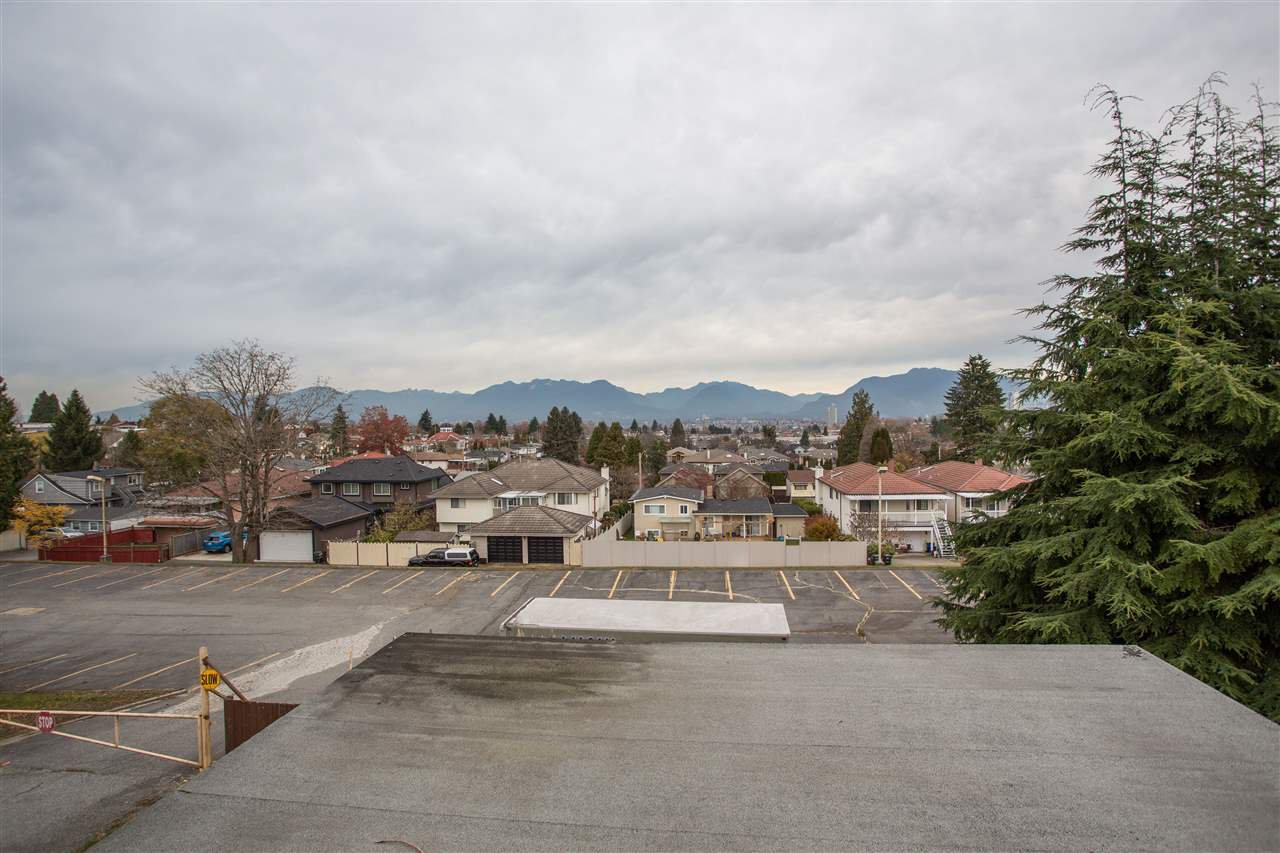 Photo 7: Photos: 3735 CARDIFF Street in Burnaby: Central Park BS House for sale (Burnaby South)  : MLS®# R2417727