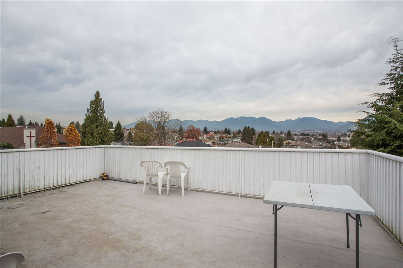 Photo 6: Photos: 3735 CARDIFF Street in Burnaby: Central Park BS House for sale (Burnaby South)  : MLS®# R2417727