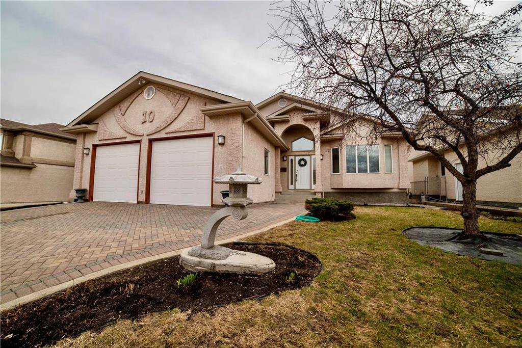 Main Photo: 10 Meadow Ridge Drive in Winnipeg: Richmond West Residential for sale (1S)  : MLS®# 202006400