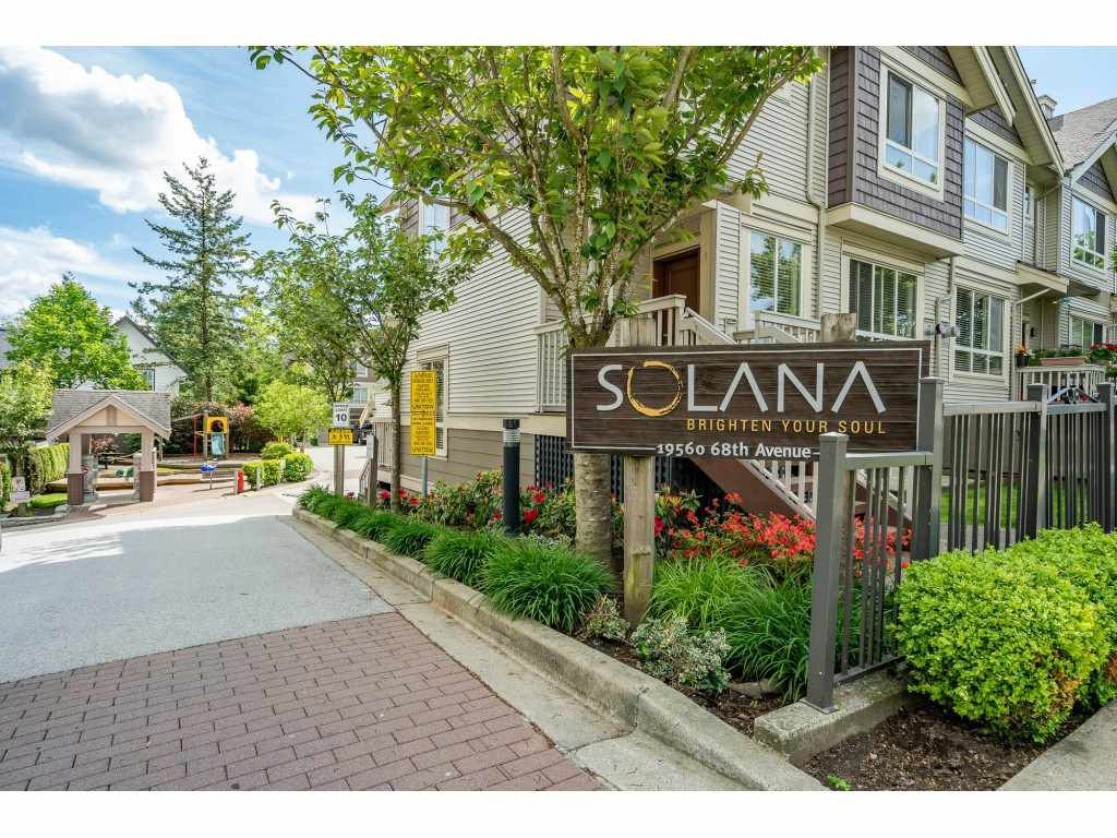 Main Photo: 45 19560 68 Avenue in Surrey: Clayton Townhouse for sale (Cloverdale)  : MLS®# r2455724